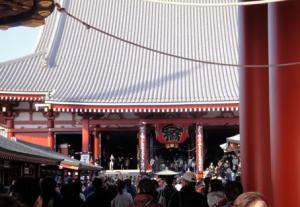 浅草寺チタン製瓦葺き