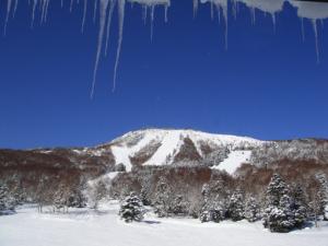 青空の焼額山