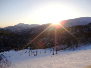 日没のゲレンデ